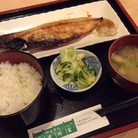 Photo taken at 御食事処遠州家 by ヱチゼンくらげ on 7/31/2016