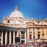 Foto scattata a Piazza San Pietro da Gauthier d. il 5/18/2013