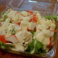 Photo taken at Green Green Salad by LuisDanielDuran on 11/15/2013