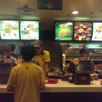 Photo taken at KFC by Sandun P. on 7/20/2014