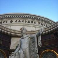 Foto tomada en Caesars Palace Poker Room por Jamie V. el 6/28/2013