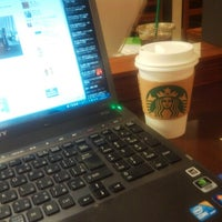 Photo taken at Starbucks by Toshiz H. on 5/15/2013