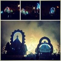 Photo taken at Festividad de la Virgen del Rosario - Pachacámac by Laura M. on 10/13/2014