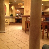Photo taken at Olive Garden by Torrii R. on 1/31/2013