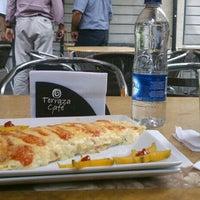 Foto tomada en Terraza Café Bucarica por Pao H. el 6/28/2013
