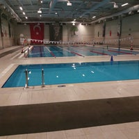 Photo taken at Alleben 2 Yüzme Havuzu by Eyüp Ö. on 12/11/2015