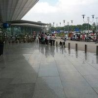 Photo taken at Chaudhary Charan Singh International Airport (LKO) by Shakti S. on 10/18/2013