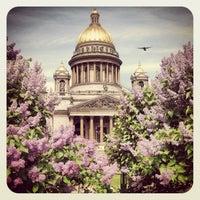 Das Foto wurde bei Saint Isaac's Cathedral von Yulia I. am 6/14/2013 aufgenommen