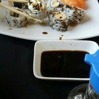 Foto tirada no(a) Rafa Sushi por Reini O. em 10/14/2015