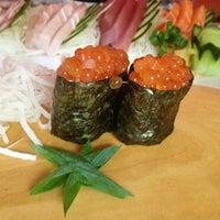 Foto tirada no(a) Sushi Yama por Tarquinio T. em 7/28/2013