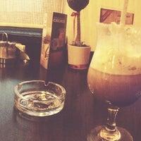 Снимок сделан в Traveler's Coffee пользователем Михаил С. 6/12/2013