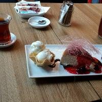 Photo prise au Misto Cafe & Restaurant par Burçin B. le10/17/2013