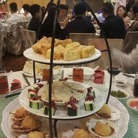 Photo taken at Oriental Pavilion Restaurant by 진 성. on 8/5/2017