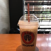 Photo taken at J.Co Donuts & Coffee by Antonius S. on 1/29/2017
