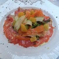 Снимок сделан в Rêve Café & Restaurant пользователем Liliya L. 8/30/2013