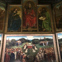 Photo taken at Ghent Altarpiece (Adoration of the Mystic Lamb) by Natalie on 5/7/2018