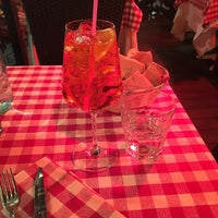 Foto tomada en Taverna Del Borgo Antico por Natalie el 12/21/2017