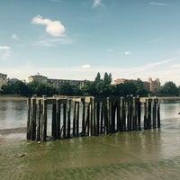 Das Foto wurde bei Thames Path von Sandy C. am 8/25/2017 aufgenommen