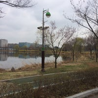 Photo taken at 호수공원 내 모처 by YoungJoon S. on 4/3/2015