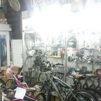 Photo taken at Bike Croys - Itatiba by Vitor B. on 12/9/2013