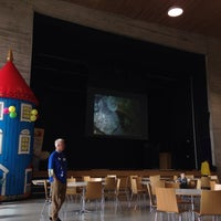 Photo taken at Saunalahden kirjasto by Paola E. on 5/9/2015