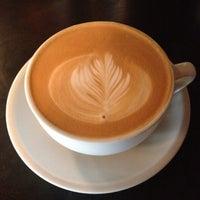 11/25/2012 tarihinde Nicholas W.ziyaretçi tarafından Lenox Coffee'de çekilen fotoğraf