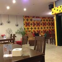 Photo taken at Eating House by Wittawat K. on 1/5/2013