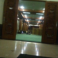 Photo taken at Masjid Agung AL-BARKAH Bekasi ® by NitaHasyim s. on 6/10/2013