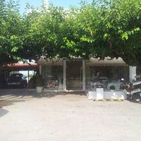 Photo taken at Το Πλέστι by Jimbo D. on 6/19/2014