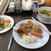 Photo taken at Tara Angkor Hotel Breakfast Lounge by itochu on 11/30/2013