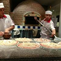Photo taken at Pizzeria Limoncello by Natjitree P. on 12/5/2012