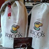 Foto tomada en Rico's Café El Cid por Visita M. el 1/13/2015