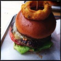 Снимок сделан в Psychic Burger пользователем Mat A. 3/27/2015