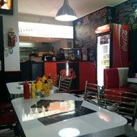 Foto tirada no(a) Bil's Diner por Justin A. em 3/6/2014