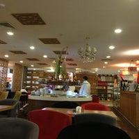 6/13/2013 tarihinde Mustafa I.ziyaretçi tarafından Ada Cafe Family Mall'de çekilen fotoğraf