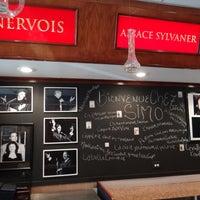 Das Foto wurde bei Chez Simo Bistro von mo t. am 6/13/2013 aufgenommen