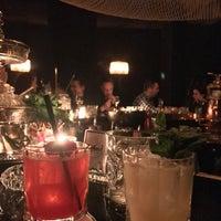 Das Foto wurde bei Roberto American Bar von Ksy M. am 1/6/2018 aufgenommen