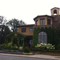 Photo taken at Montaluce Vinyard and LeVigne Restaurant by Jessica D. on 6/26/2013