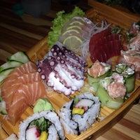 Foto tirada no(a) Jun Japanese Food por Di S. em 1/31/2014