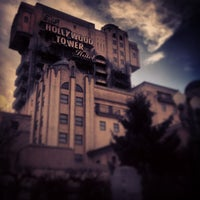 Photo taken at The Twilight Zone Tower of Terror by Henk Y. on 12/17/2012