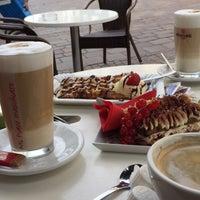 Photo taken at Gran Caffè Italia by Shahah🦋 on 7/28/2015