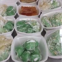 Photo taken at Bangkok Pai (Thai Food To Go) by Wendy P. on 6/23/2013
