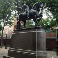 Foto tirada no(a) Paul Revere Statue por June D. em 7/13/2013