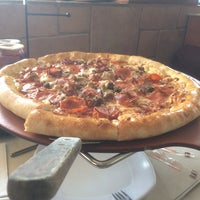 Photo taken at Pizza Hut by Bofo N. on 5/18/2017