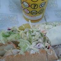 3/22/2014에 Keryn S.님이 Which Wich? Superior Sandwiches에서 찍은 사진