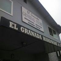 Снимок сделан в El Granada Hardware & Café пользователем Abhishek S. 7/22/2013