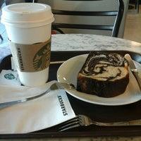 2/11/2014 tarihinde MeRt Ç.ziyaretçi tarafından Starbucks'de çekilen fotoğraf