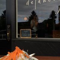 Foto scattata a Delancey da Ro B. il 5/11/2014