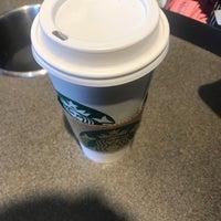 Photo taken at Starbucks by Yetta B. on 9/30/2017