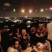 6/29/2013 tarihinde Marie W.ziyaretçi tarafından Balkon Bar'de çekilen fotoğraf